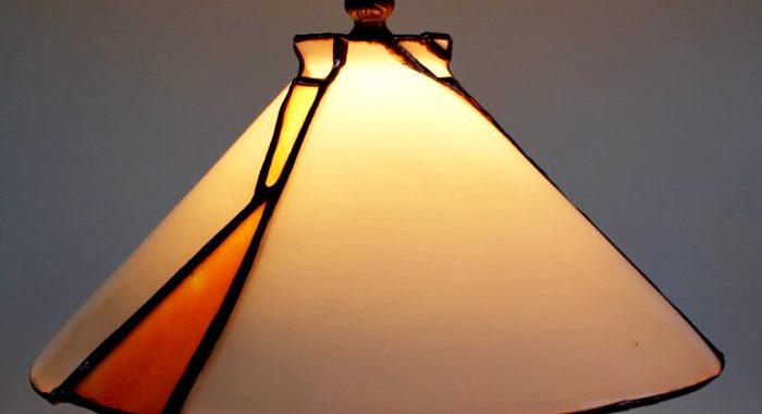 Lámpa javítás, kis-tiffany-allolampa-burajanak-a-javitasa-2
