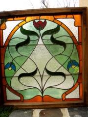 Regi-olomuveg-ablak-ahogy-atereszti-a-fenyt-Small