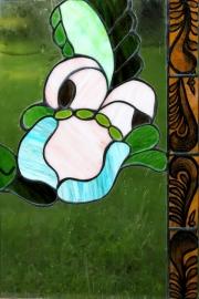 Vilagoskek-rozsaszin-virag-tiffany-ablak-Small