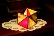 Geometrikus-tiffany-mecsestarto-bordo-zold-sarga.-1c-Small