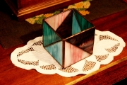 Geometrikus-tiffany-mecsestarto-kek-lila-1b-Small
