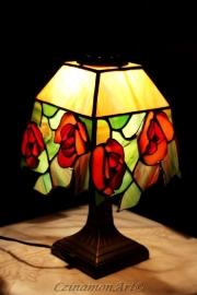 Rozsas-tiffany-asztali-lampa-1
