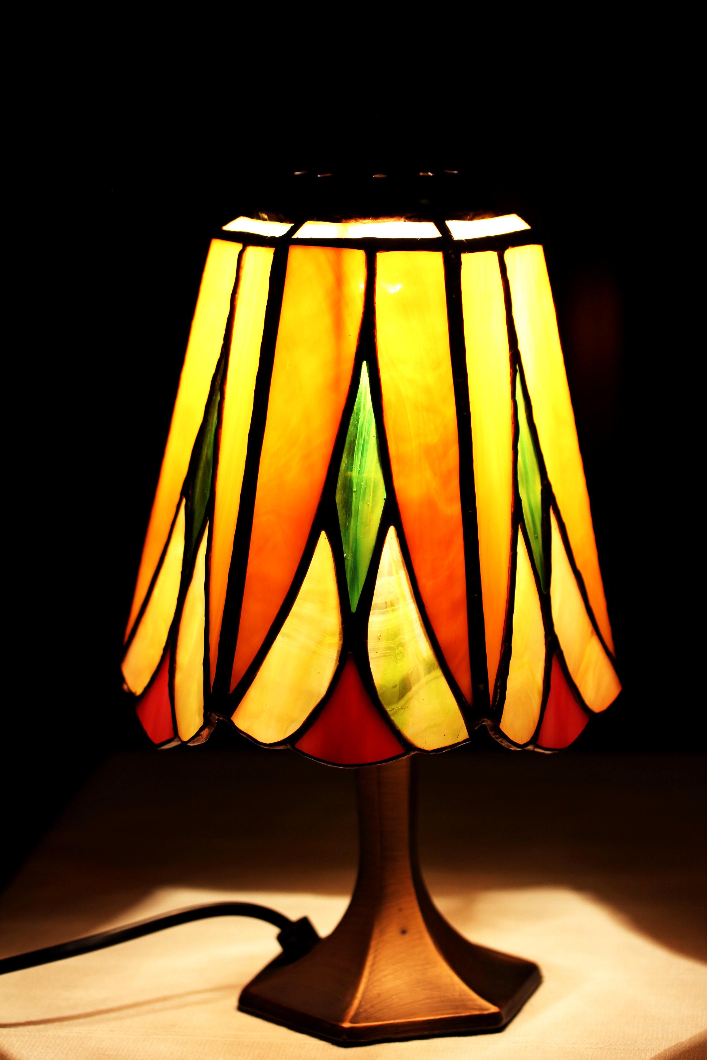 Asztali-tiffany-lampa-viragos-3