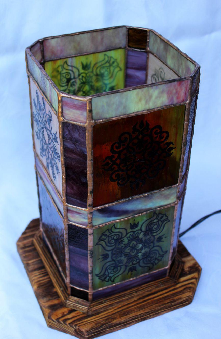 Festett-geometrikus-tiffany-lampa-11