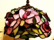 Rozsas-kis-asztali-tiffany-lampa-3