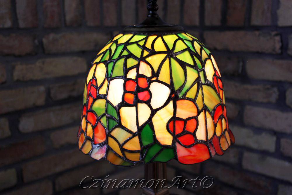 Kis-viragos-asztali-tiffany-lampa-2